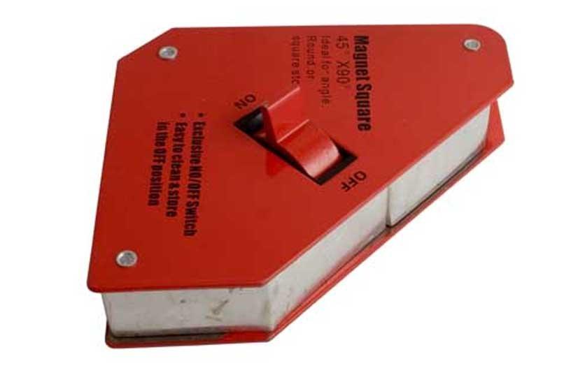 Úhelník magnetický s vypínačem